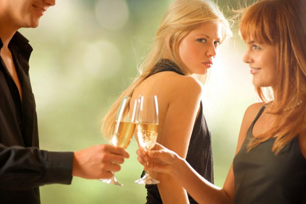 La copine votre femme - amie ou ennemie