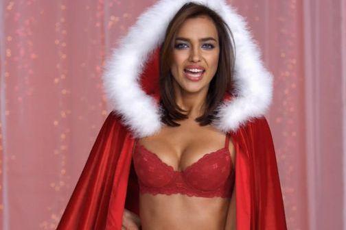 La fiancée de Cristiano Ronaldo incarne la fille du Père Noël