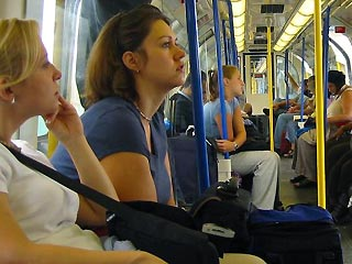 Femmes pensent au sexe dans le métro