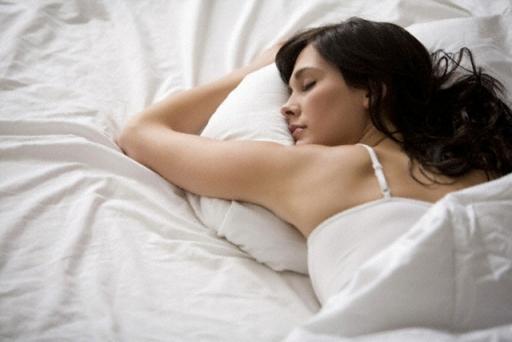 Dormez sur le ventre pour faire des rêves érotiques