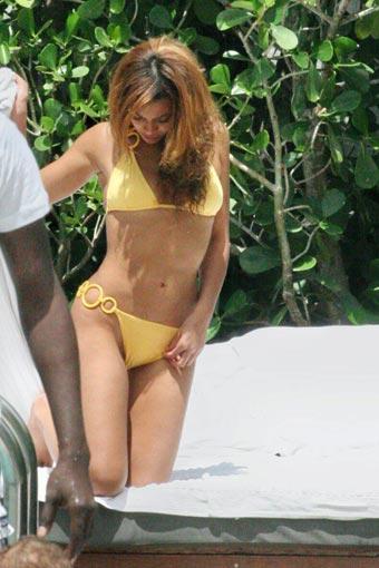 femme sexy en bikini